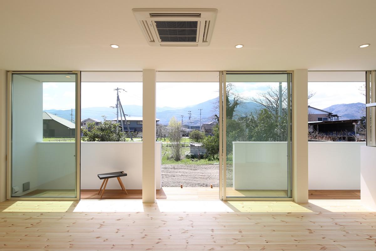 日当たりが良さそうな土地に建つ家の共通点とは?